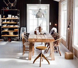 black walls, white floors, wood table | by Anna @ D16