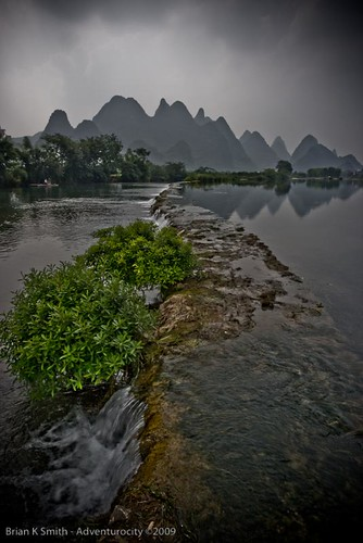 Yulong River Weir, Yangshuo | by adventurocity