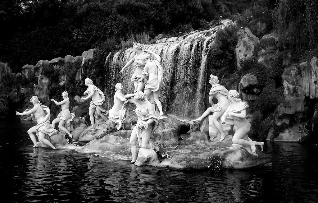 La fontana di diana e atteone della reggia di caserta flickr - Il bagno di diana klossowski ...