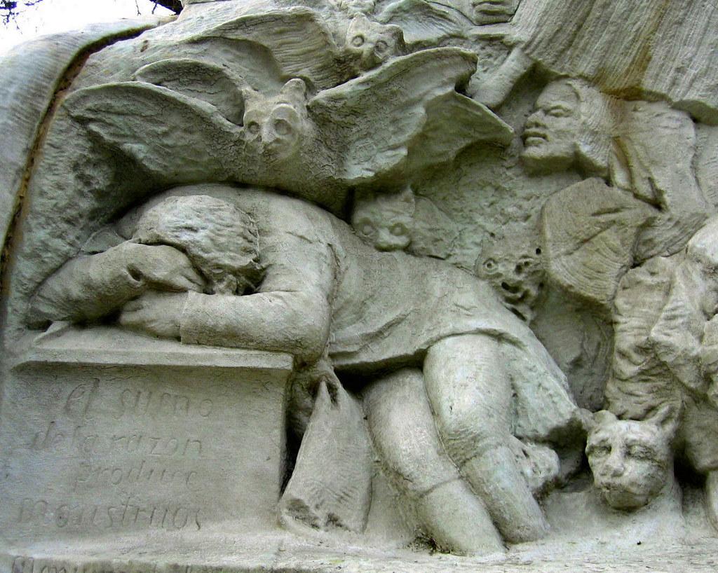El Sue U00f1o De La Raz U00f3n Produce Monstruos  Pedestal De La Est