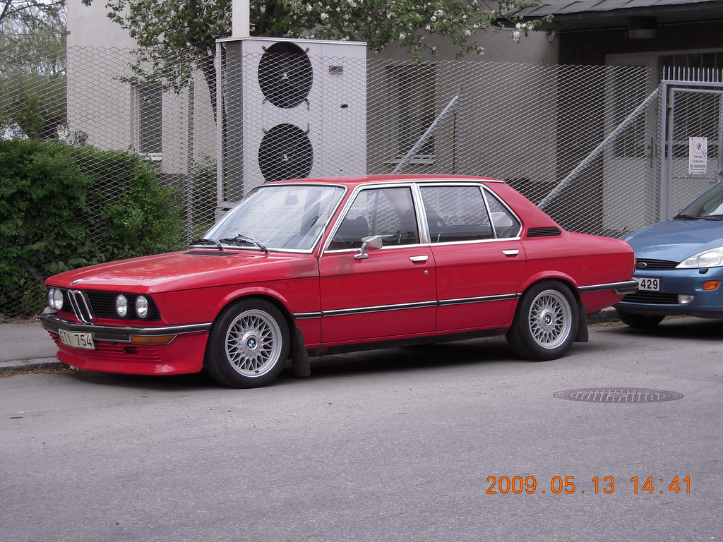 Bmw 518(E12) 1975  With a bbs front spoiler  stefanruf3