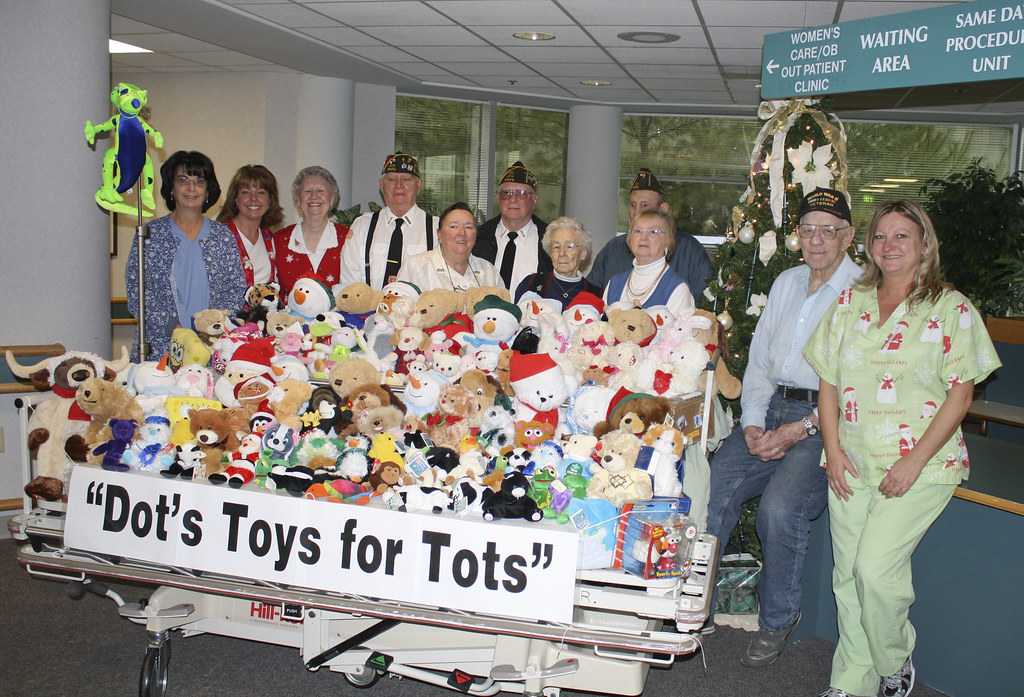 Toys For Tots Sign Up : Dot s toys for tots donation to same day surgery bobbi