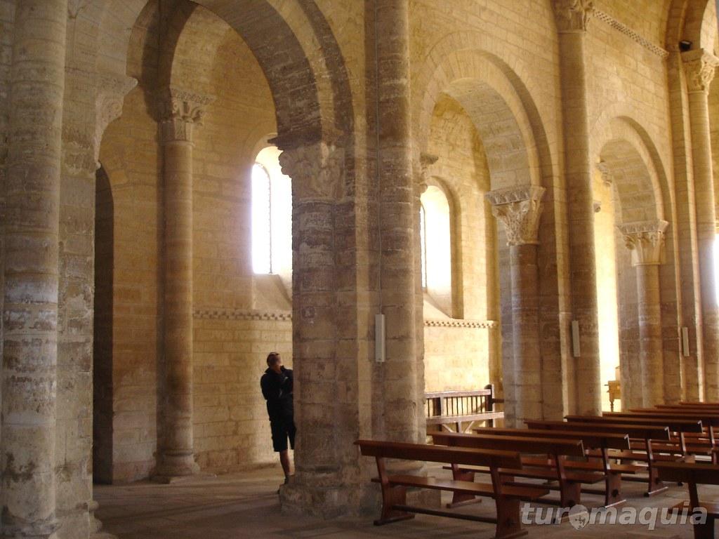 Características de uma igreja românica