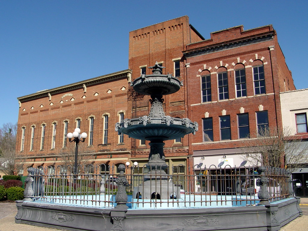 Strange Nelsonville Ohio Town Square The Pretty Little Town Of Nel Flickr Short Hairstyles Gunalazisus