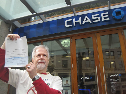 Outraged Seattle Chase Customers Close Their Bank Accounts | by Rainforest Action Network