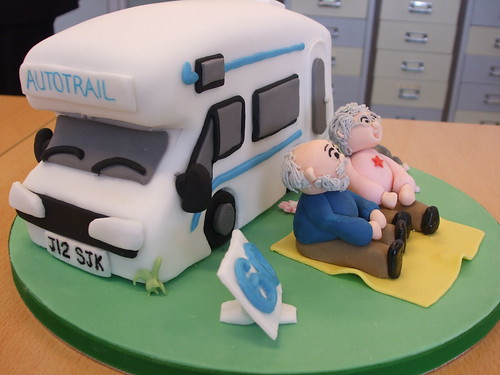 How To Make A Campervan Cake Topper