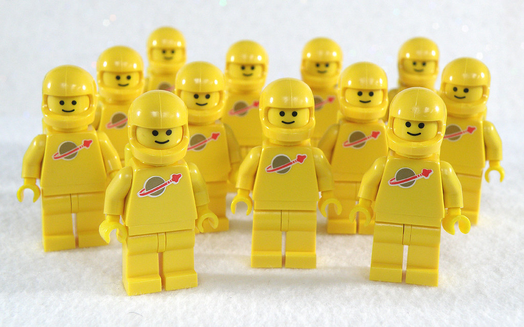 Lego Space Team Yellow | Group shot of my Classic Yellow ...