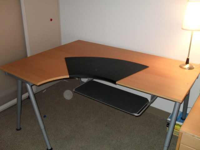 Ikea Galant Desk W Knos Desk Pad Summera Pull Out Keybo Flickr