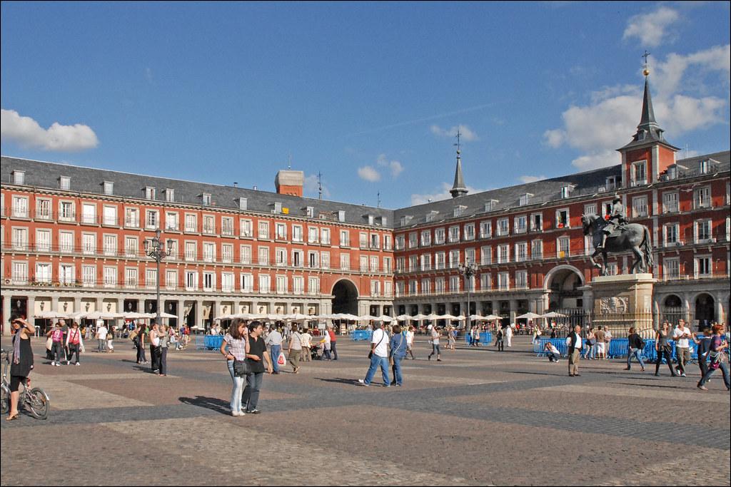Plaza mayor madrid la plaza mayor de madrid fut - Montadores de pladur en madrid ...