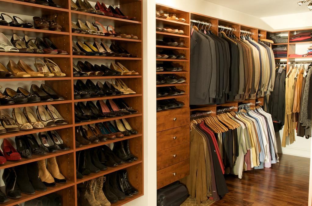 rangement dans la garde robe garde robe walk in fabriqu s flickr. Black Bedroom Furniture Sets. Home Design Ideas