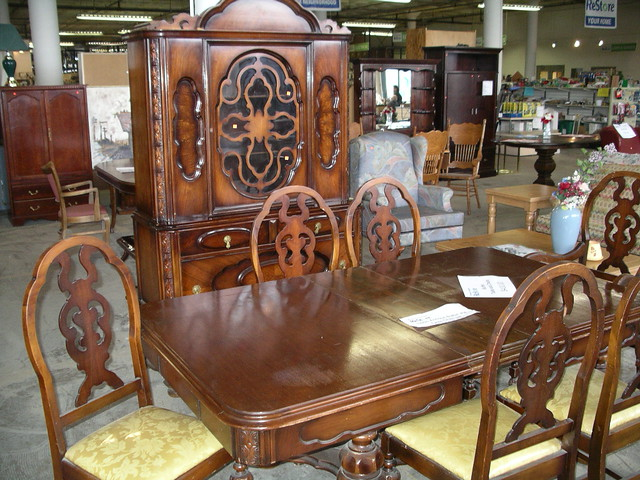 Antique Dining Chairs >> 1920s Antique Dining Room Set $400 | Table, 6 chairs and ...