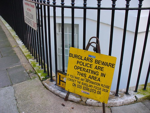 BURGLARS BEWARE POLICE ARE OPERATING IN THIS AREA | by Metro Centric