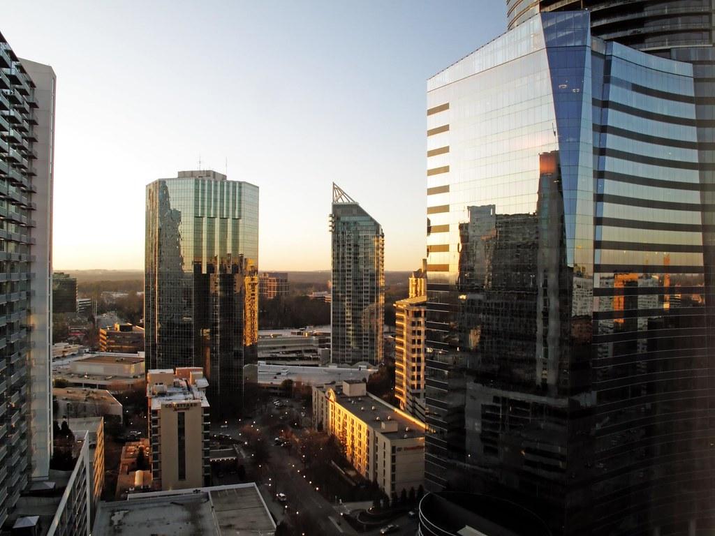 Hotels Downtown Atlanta With Smoking Rooms