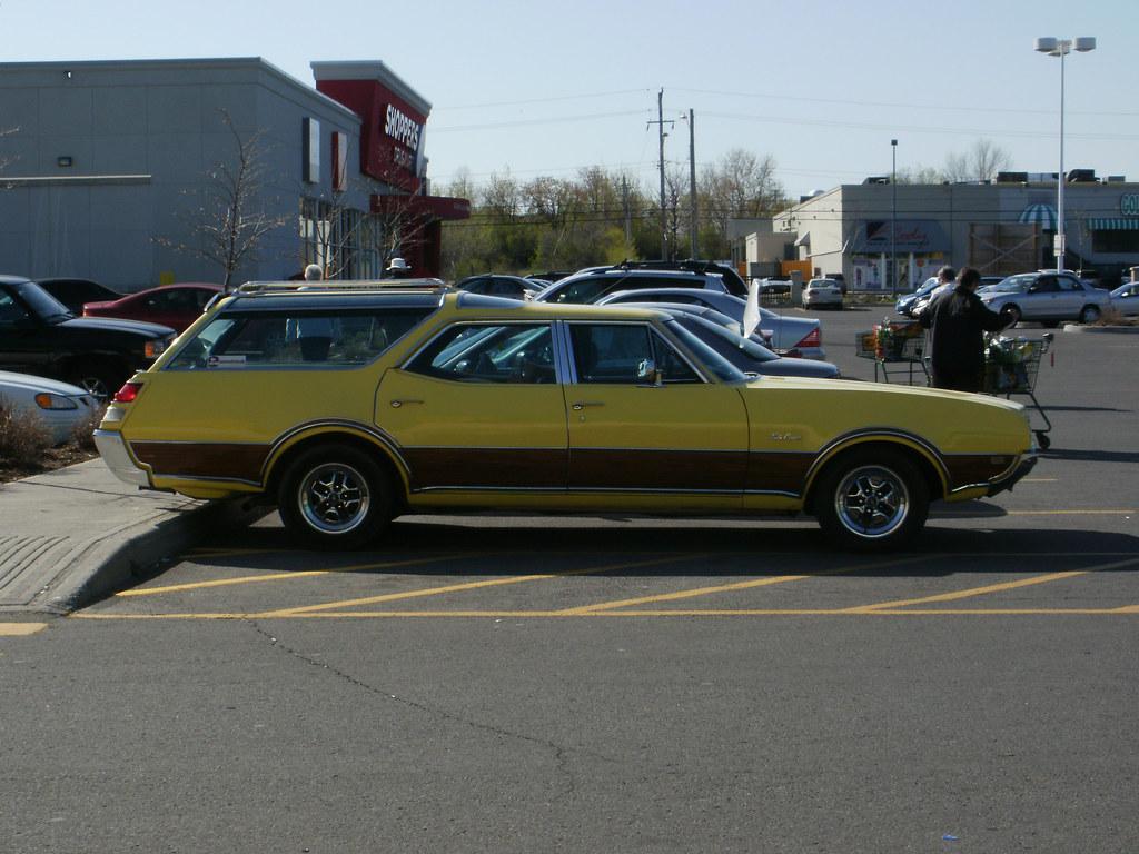 Vista Ford Car Show