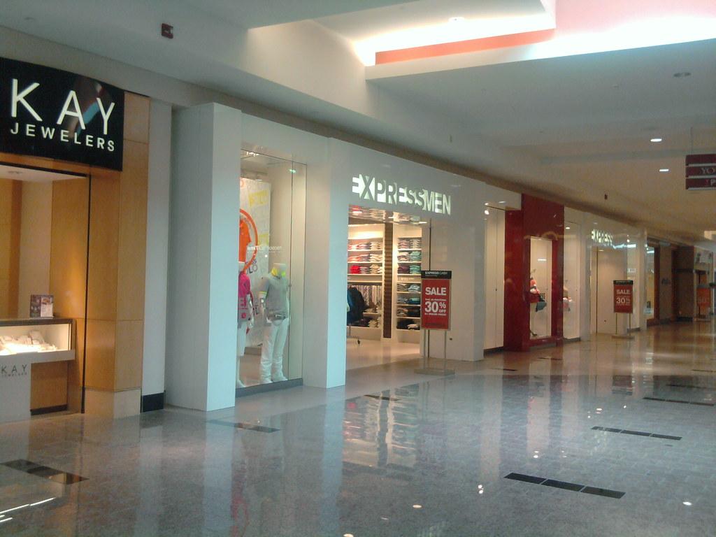 Westfield Gateway Mall Lincoln Nebraska Express Exp