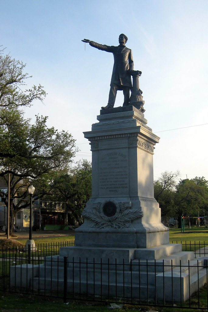 New Orleans Mid City Jefferson Davis Monument The