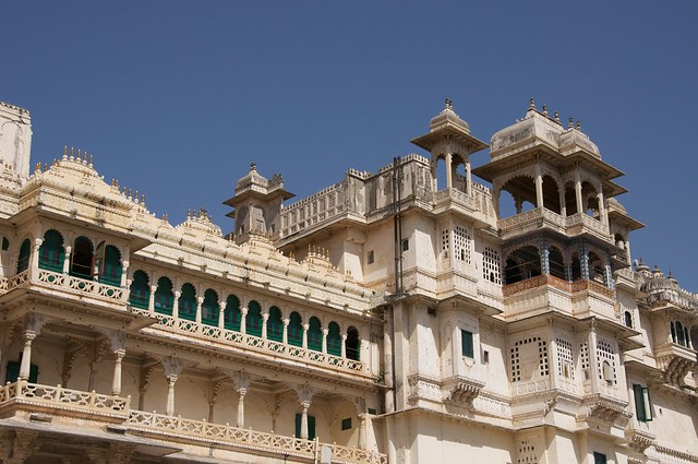 Udaipur City Palace by CC user ciamabue