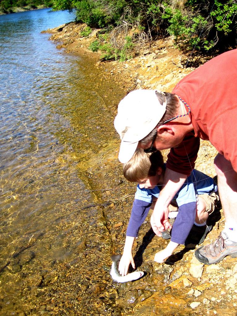 Catching a fish with dad bon tempe lake near fairfax for Bon tempe lake fishing