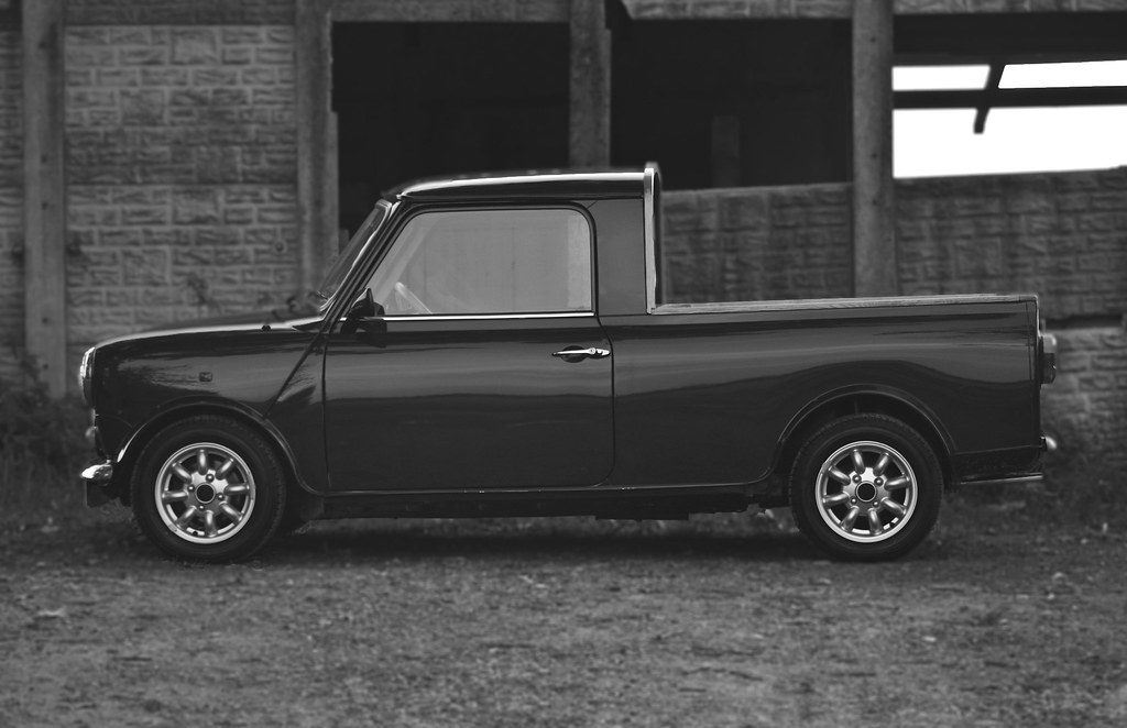 austin mini pick up b w with thanks to eclectic cars. Black Bedroom Furniture Sets. Home Design Ideas