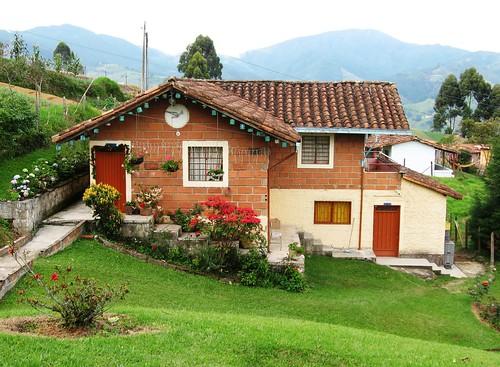 Casa campestre san antonio de prado potreritos medell n for Pisos para casas campestres
