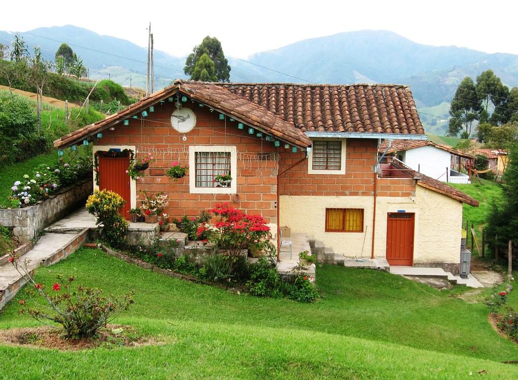 Casa campestre san antonio de prado potreritos medell n for Cubiertas para casas campestres