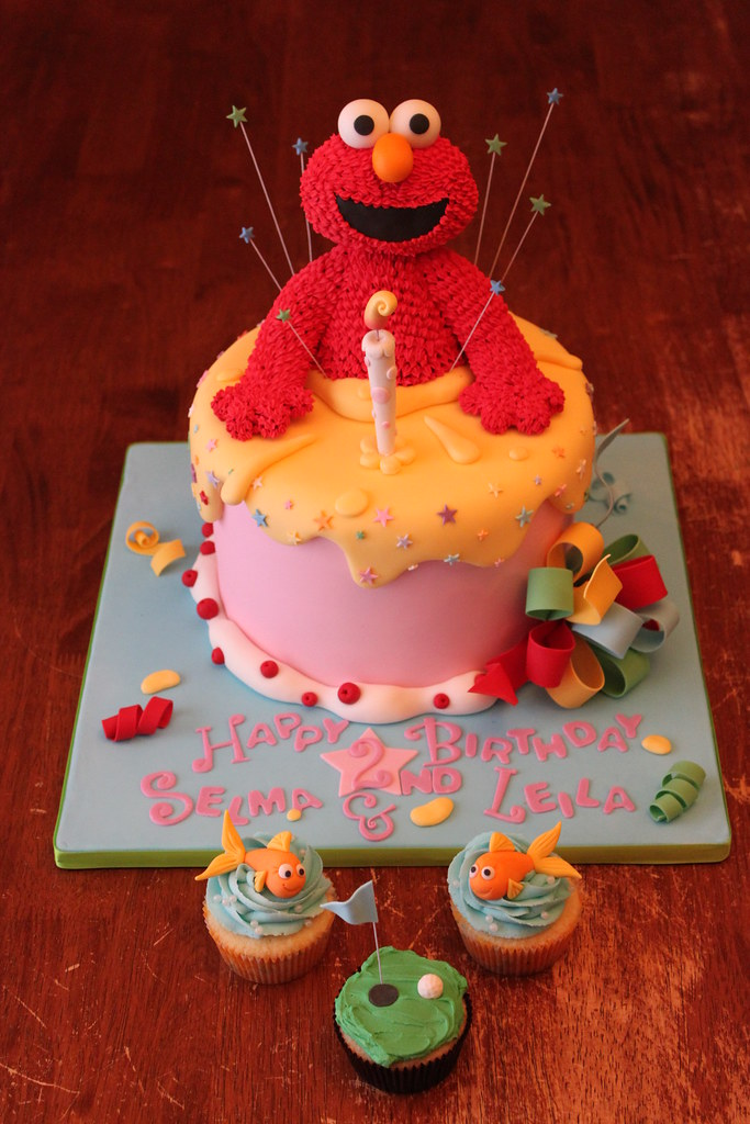 Elmo Cake With Smash Cuppies And A Little Something For D