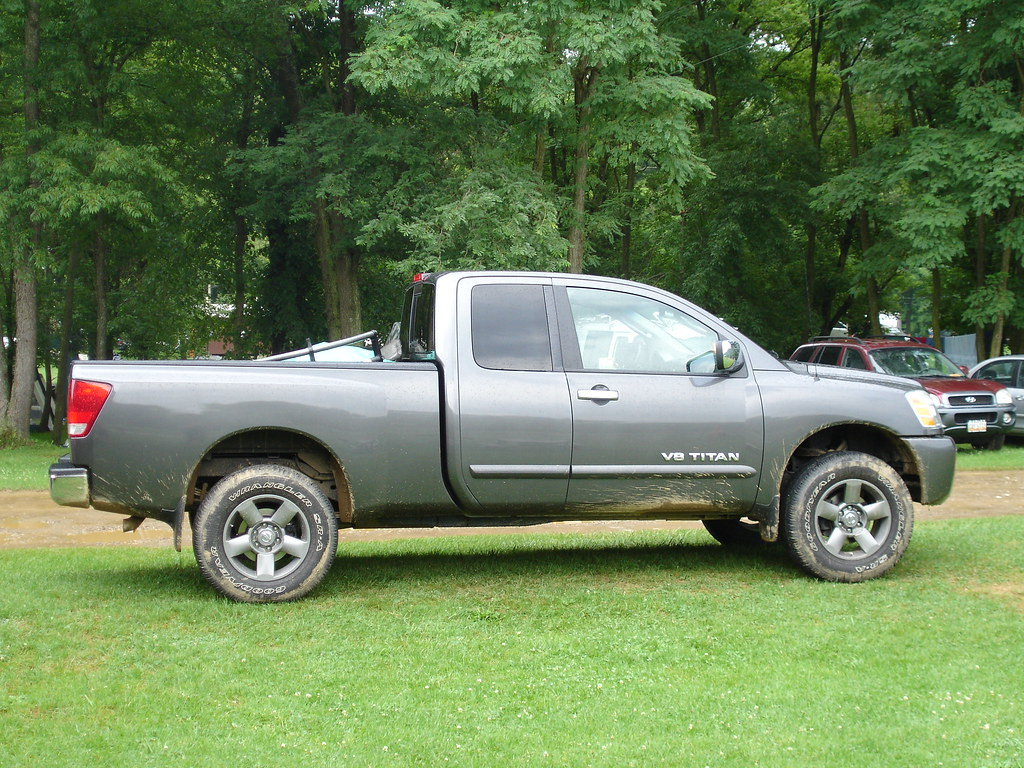 2005 nissan titan this is stock tires wheels with a leve flickr. Black Bedroom Furniture Sets. Home Design Ideas