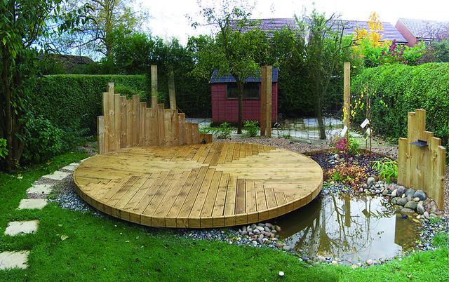 Circular Deck Over Pond Derek Kelsall Flickr