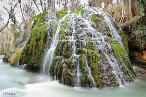 Cascada iris monasterio de piedra una de los for Cascadas de piedra