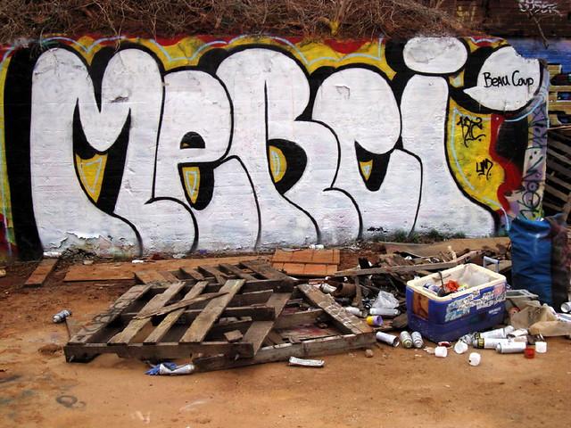 graffiti chicken hill trackside gallery MERCI beau coup ... Chicken