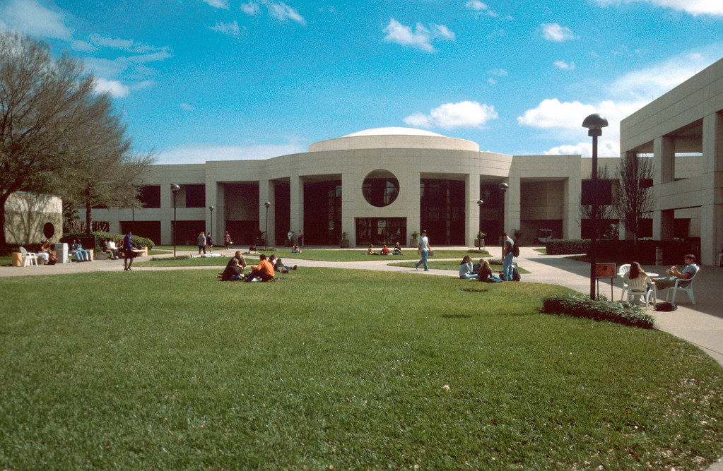 Valencia East Campus | Valencia East Campus | Valencia ...