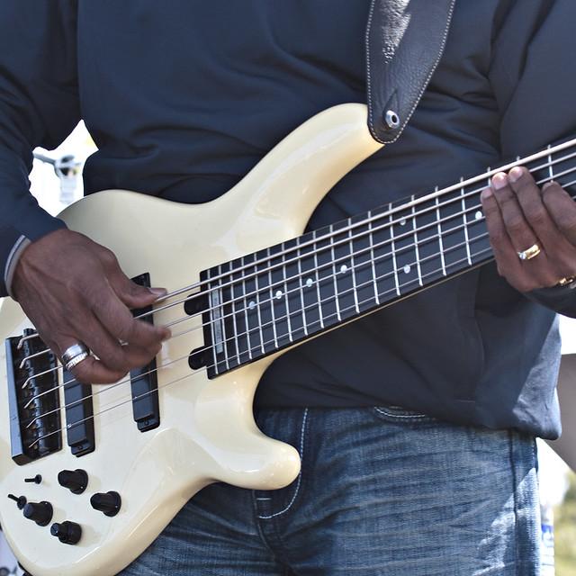 Nathan east yamaha 6 string bass nathan east playing for Yamaha 6 string bass