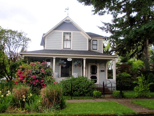 Gray Victorian House William White Rental Andrews House