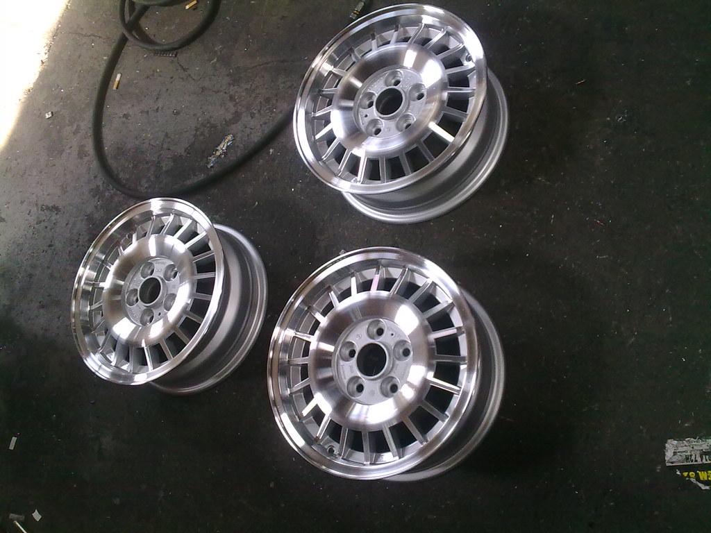 Volvo 240 stock alloy rims | Volvo 240 shiny skimmed wheels … | Flickr