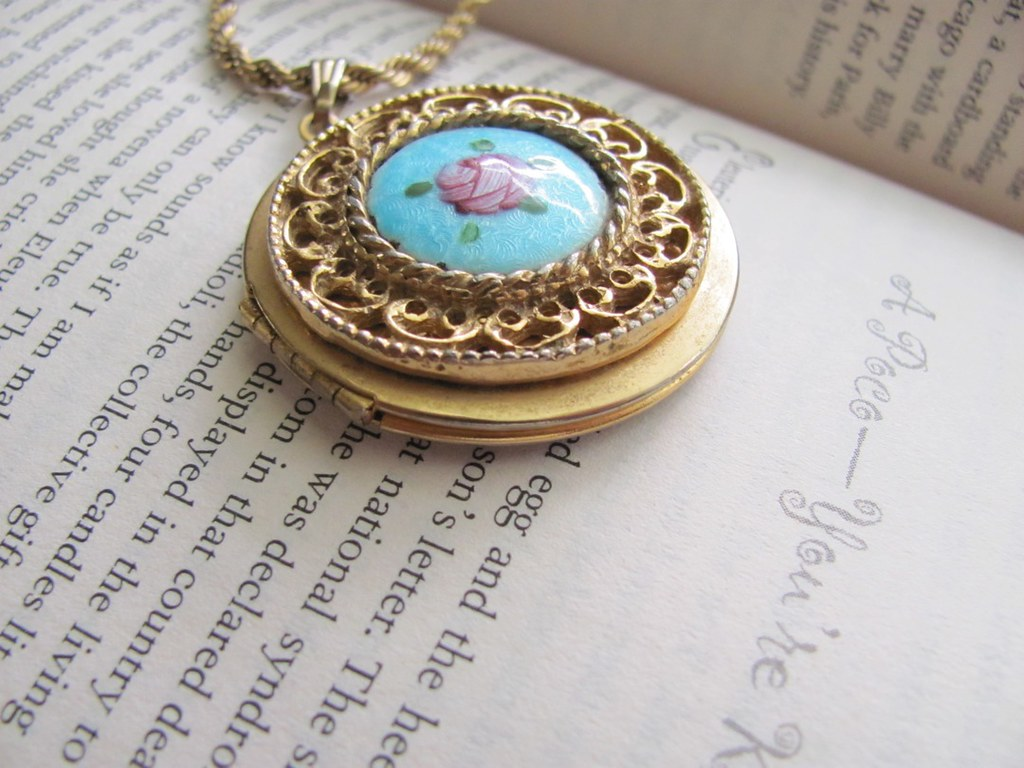 Gold Vintage Locket Necklace With Blue And Pink Flower Pen