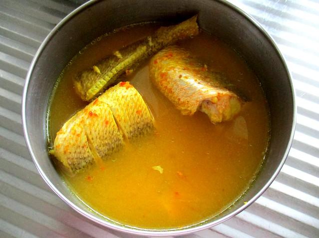Ikan masak kunyit
