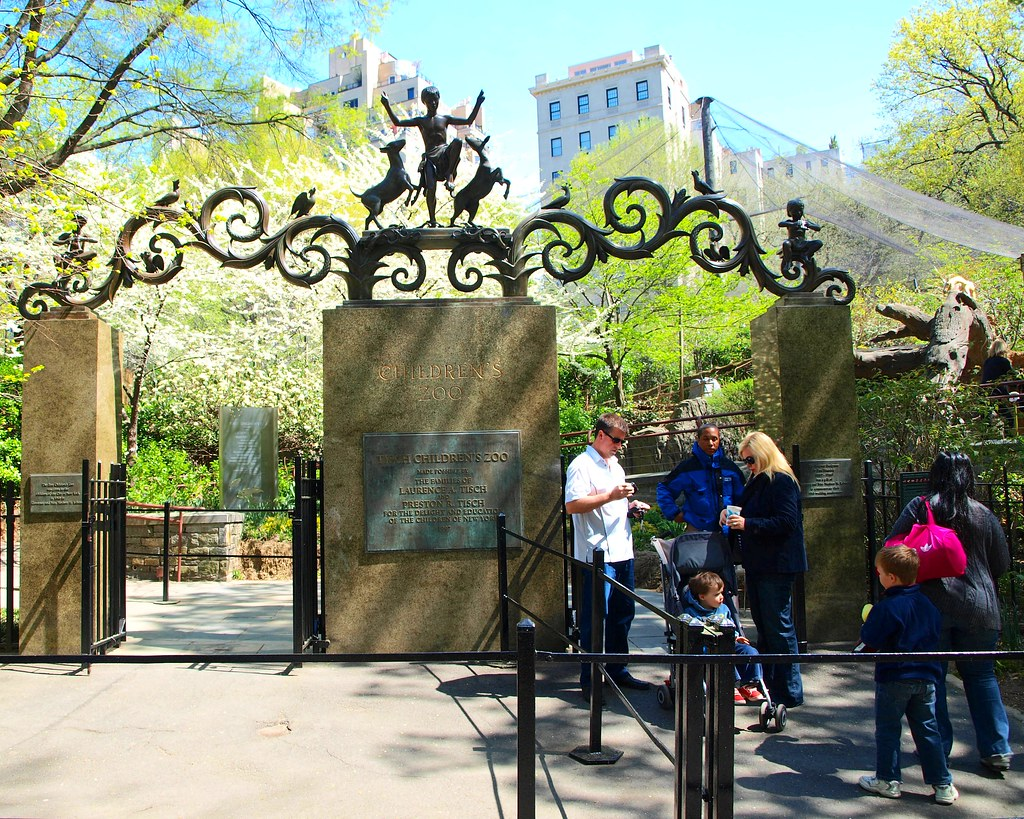 The Lehman Gate Central Park Children S Zoo New York Cit