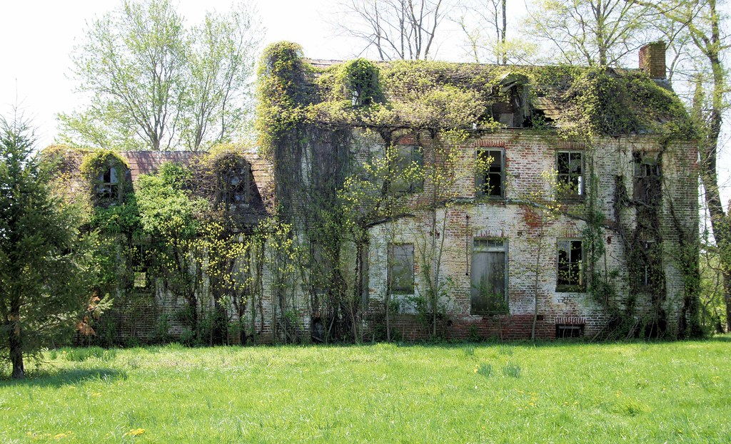 Abandoned Old Southern Mansion In Delaware A Very