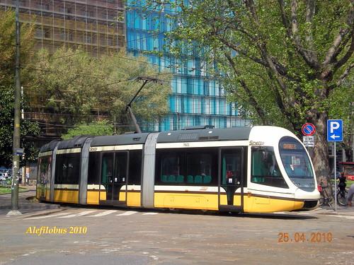 Milano tram sirietto n 7603 in piazza iv novembre linea for Arredare milano piazza iv novembre