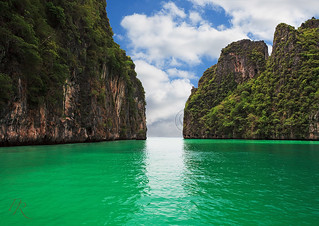 Ko Phi Phi Ley  -  another day another dollar. | by Pete 5D...©...
