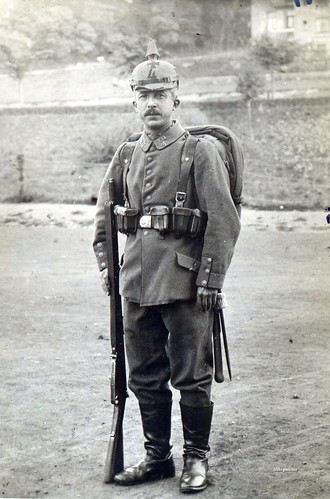 An excellent study of a Landsturm infantryman in full marching order. This fellow is from Landsturm Infanterie Ersatz Bataillon 'Saarbrücken' (XXI 4) | by ✠ drakegoodman ✠