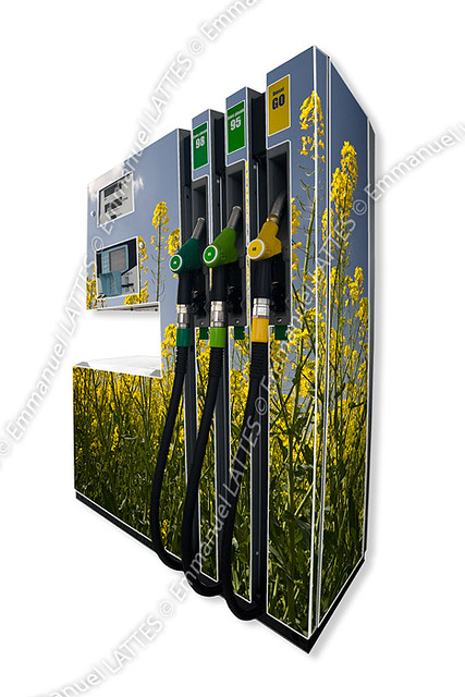 biocarburant pompe essence habill e par une photo de co flickr. Black Bedroom Furniture Sets. Home Design Ideas