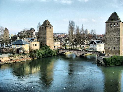 Tours de strasbourg les tours de la ville de strasbourg flickr - Toupie qui compte les tours ...