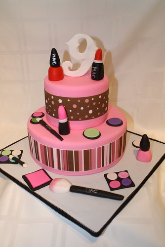 Simple Makeup Cake Design : Make Up girl cake This cake was made for my daughters ...