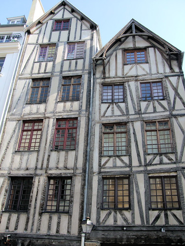 Medieval Houses In The Old Marais Quarter Of Paris. | by Jim Linwood