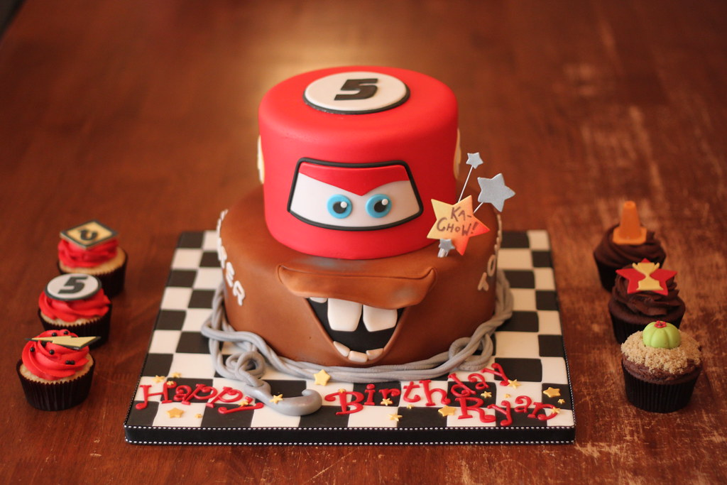 Car Cake Designs For Birthday Boy : Cars inspired cake with matching cuppies What can I say ...
