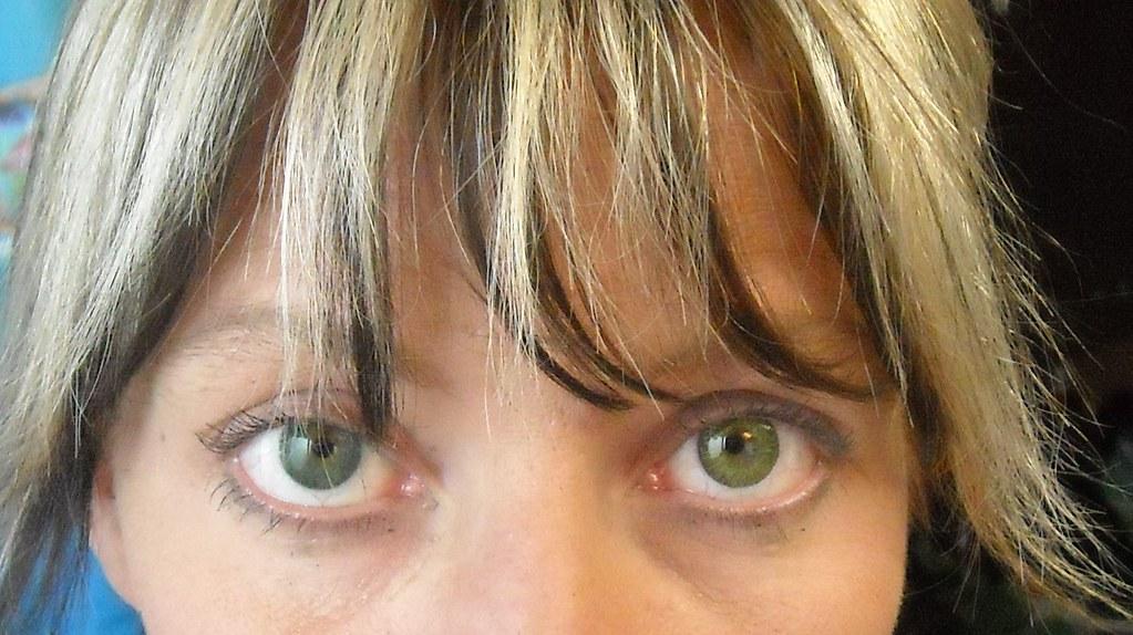 Freshlook Gemstone Green Vs Sea Green No Flash