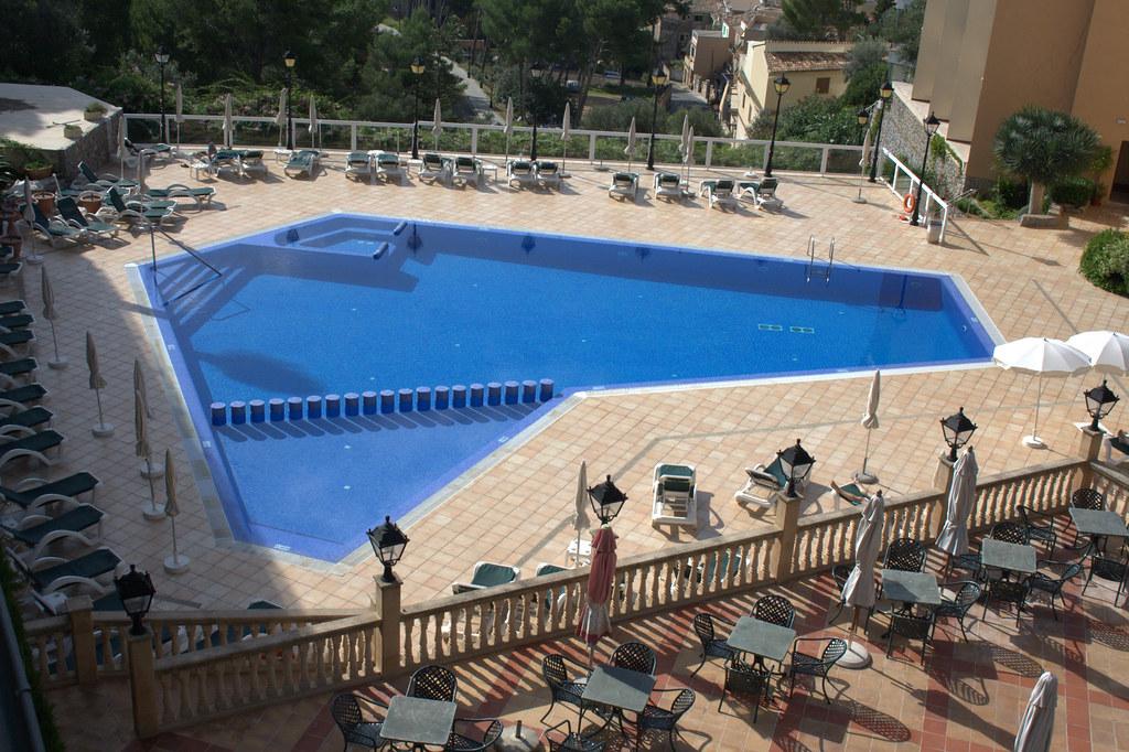 Swimming Pool Sunny Area Tanning Area Resting Area Swim Flickr