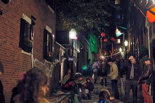 Halloween 2010 Trick-Or-Treating on Beacon Hill, Boston: View of the crowd on cobblestone Acorn St | by Chris Devers