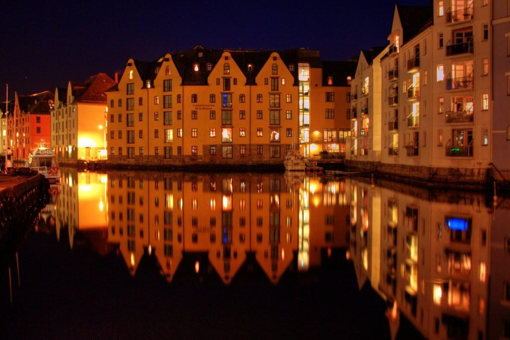 Роскошные пейзажи Норвегии - Страница 39 4206043882_4e8b7052fb_b